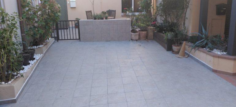 Remodelación del patio de acceso a una vivienda