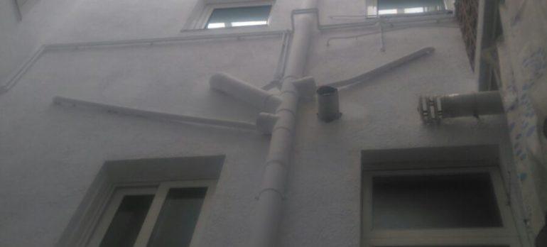Restauració del pati interior d'un edifici de vivendes